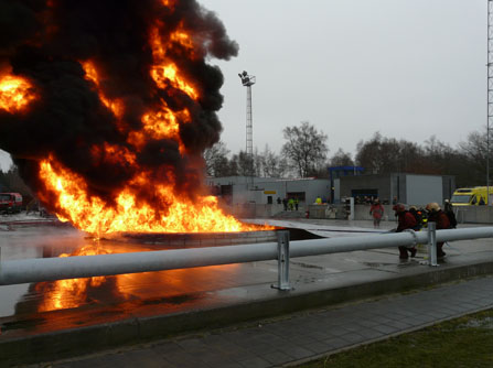 Firetexx blust grote gecondtioneerde vloeistofplasbrand.