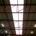 Dichtleggen lichtstraten met brandwerende schermen